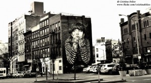 NEW YORK BROOKLIN WILLIAMSBOURG MURALES BAMBINA BLACK AND WHITE